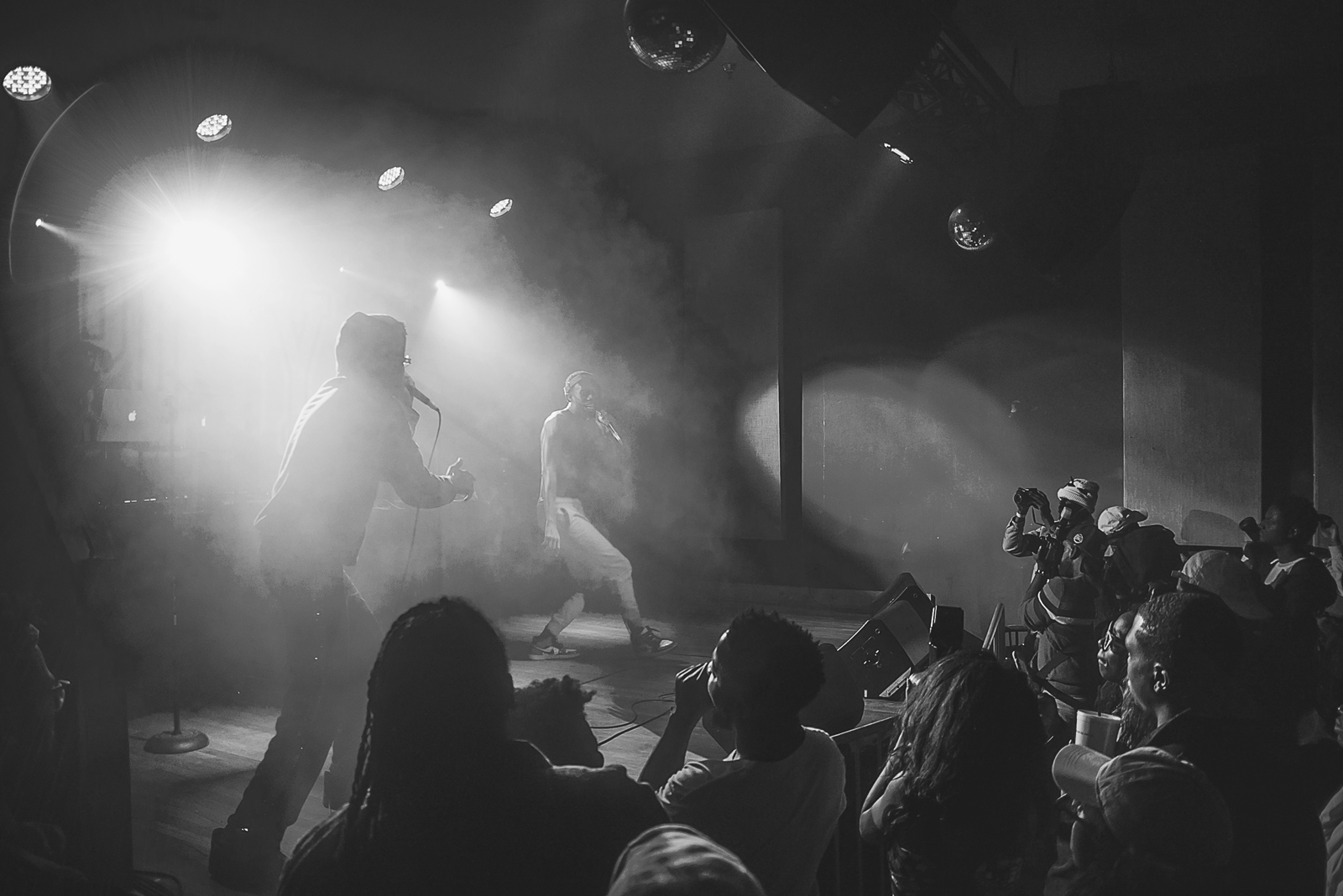 a3c-live-black-and-white